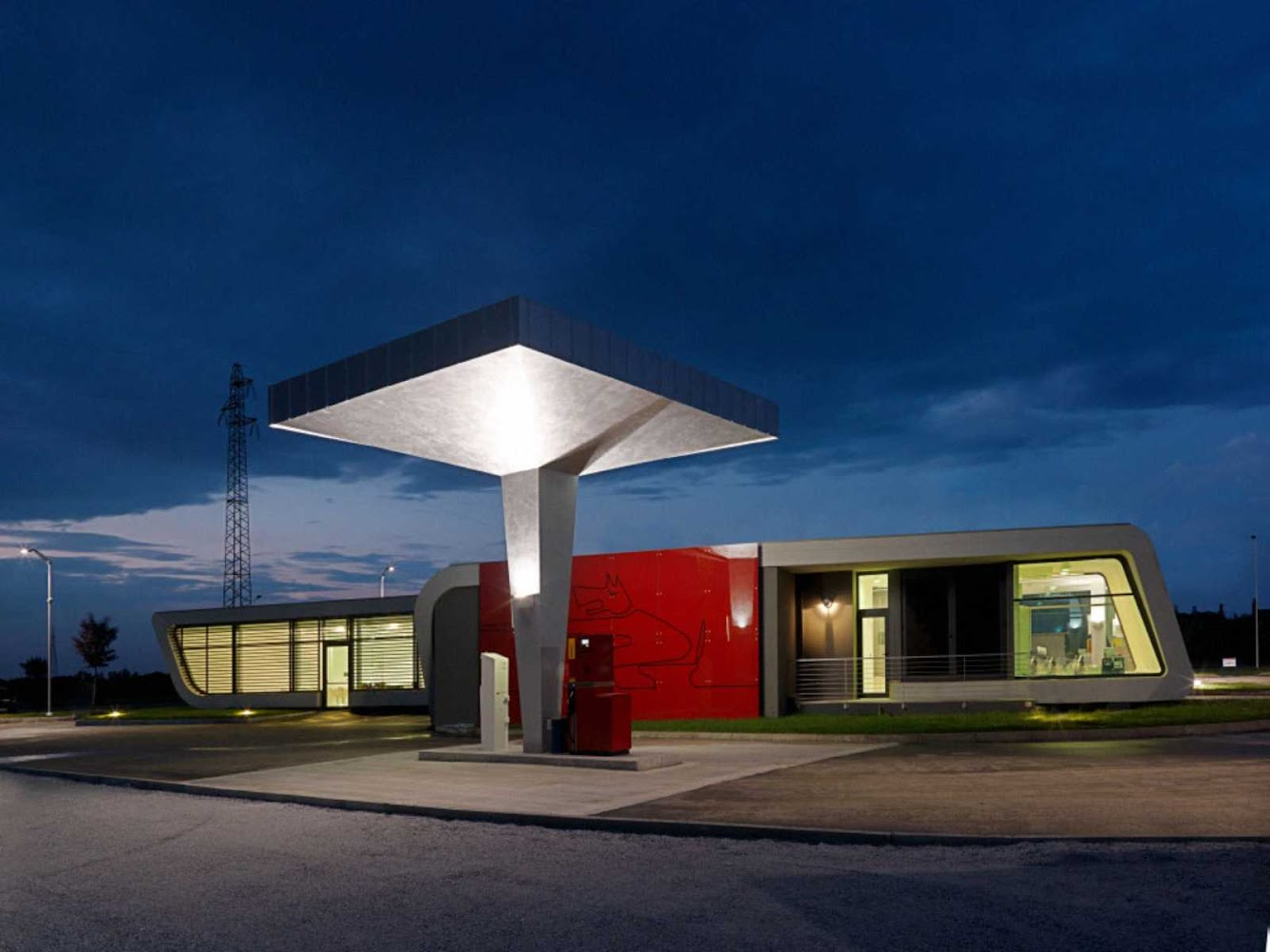 Italy: GAZOLINE STATION by DAMILANO STUDIO ARCHITECTS