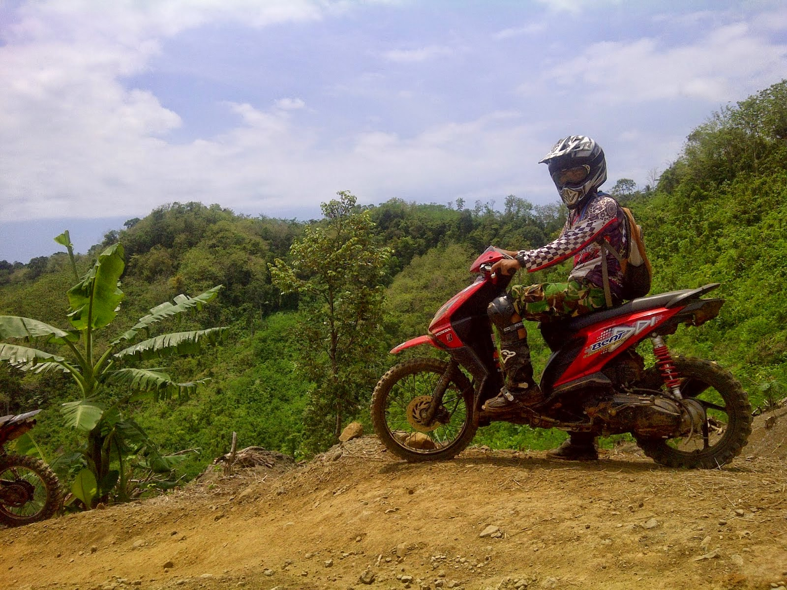 Modifikasi Motor Honda Beat Trail