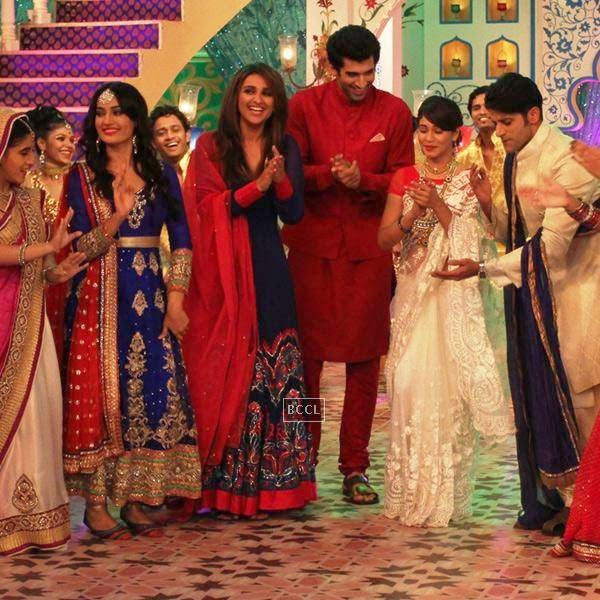 Surbhi Jyoti and Karanvir Bohra shake a leg with Aditya Roy Kapur and Parineeti Chopra on Zee TV's Eid special show, Dawaat-E-Eid. (Pic: Viral Bhayani)