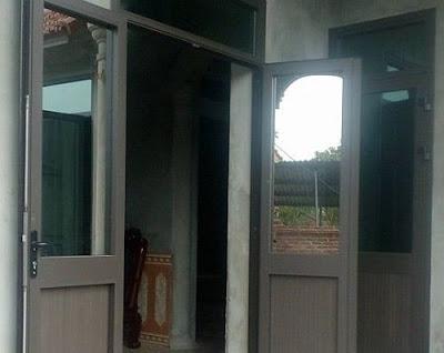 cửa đi nhôm kính Xingfa nhập khẩu 2 cánh mở quay