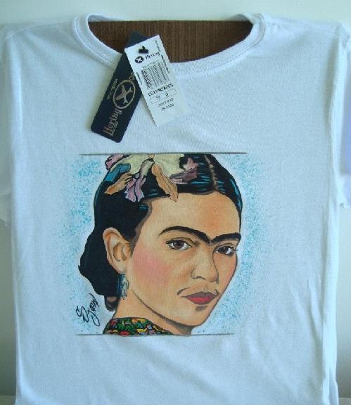 Camiseta personalizada com estampa de Frida Khalo por Aldo Morais - Vista Sua Ideia