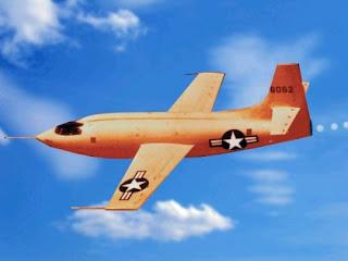 "Bell-X1, awalnya XS-1,  X-1 #46-062, nicknamed ""Glamorous Glennis"""