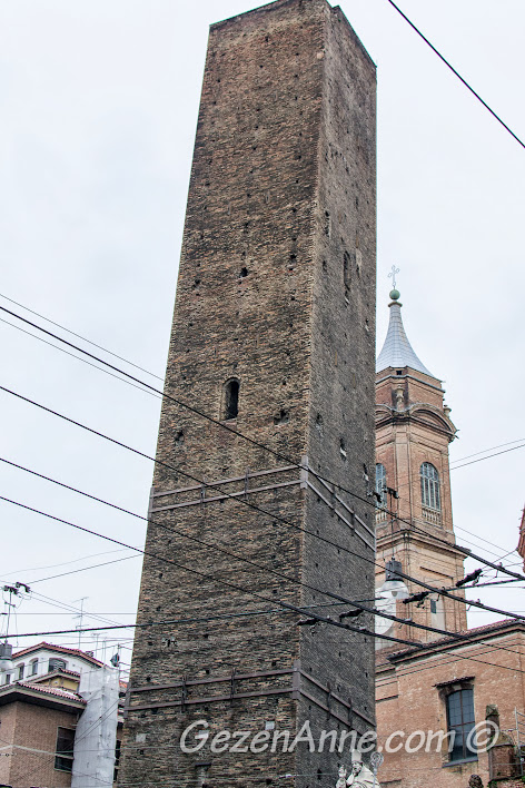Bologna'daki tarihi kuleler
