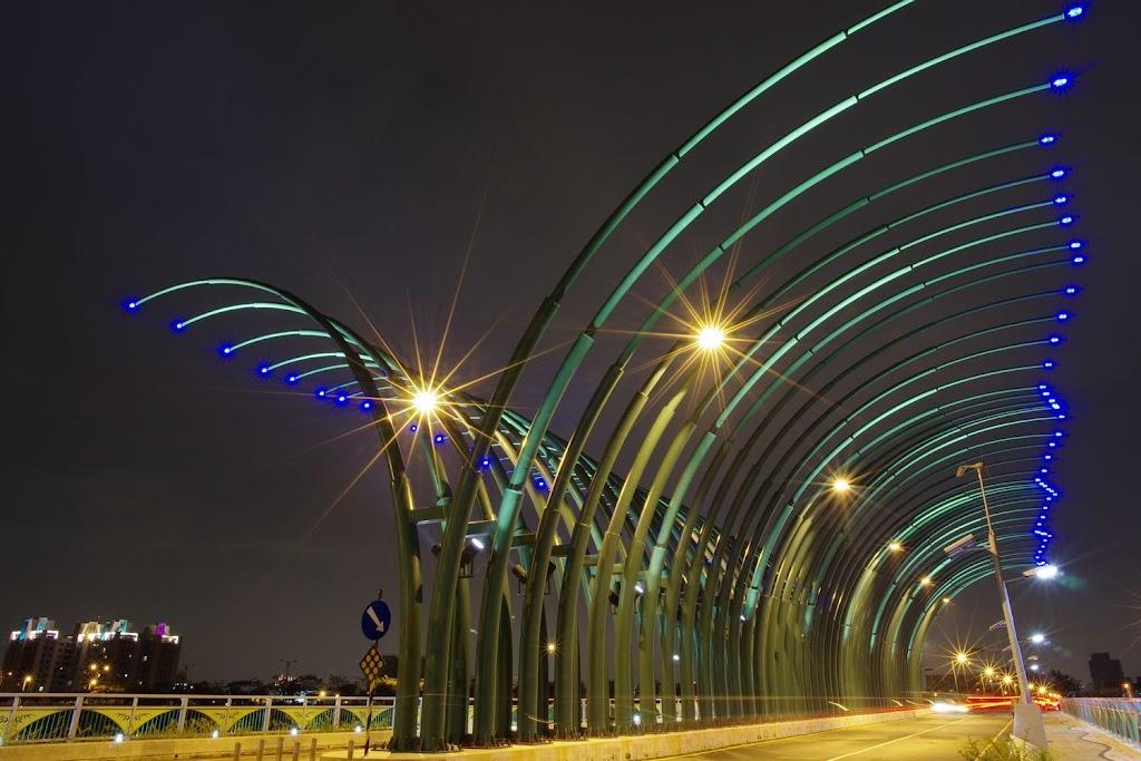 DA15 台中新小景點 清新橋一張