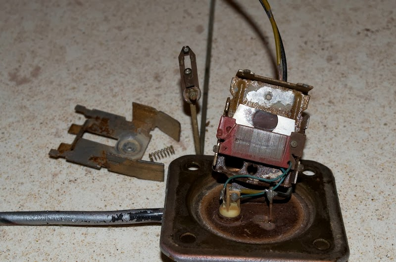 Testing In Tank Fuel Sender Unit - Page 2 DSC_0034