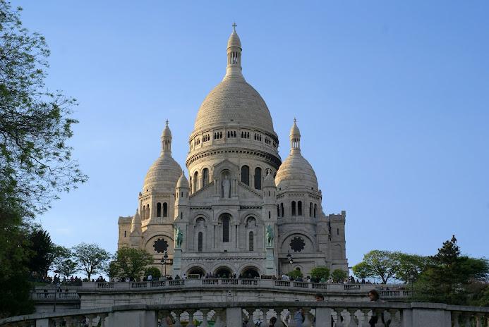 Маршрут по Монмартру - Туристический маршрут по Монмартру в Париже c картой и отмеченными достопримечательностями.