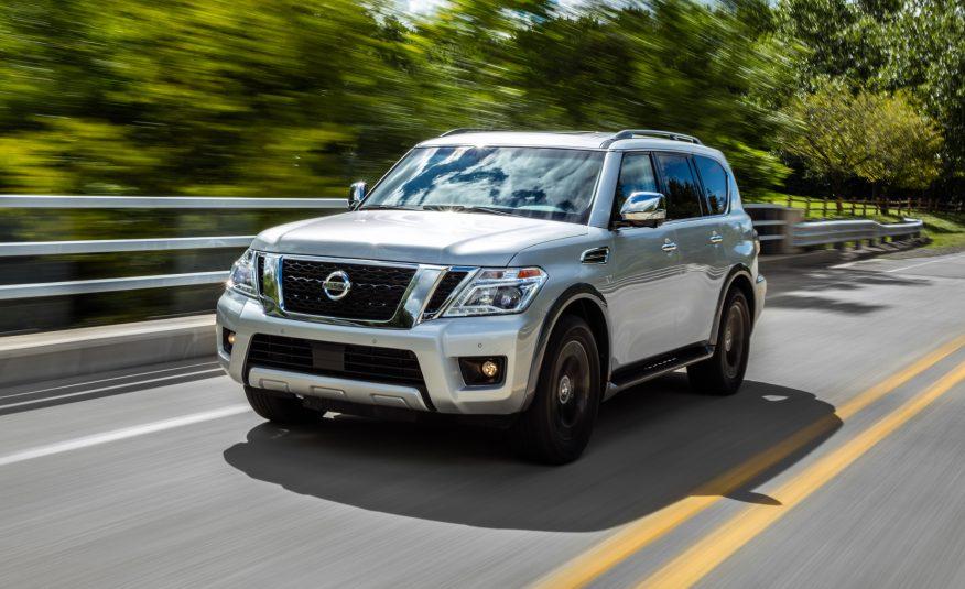 Nissan Armada 2017 là một con quái vật khổng lồ trên đường