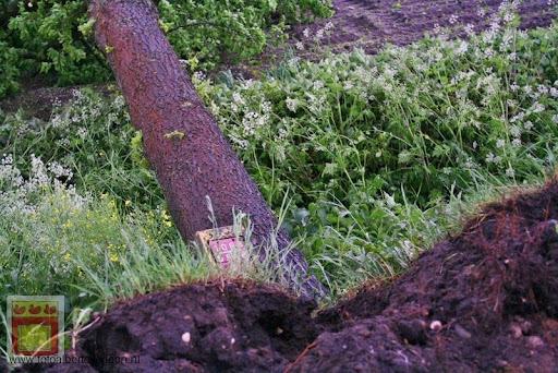 Noodweer zorgt voor ravage in Overloon 10-05-2012 (8).JPG
