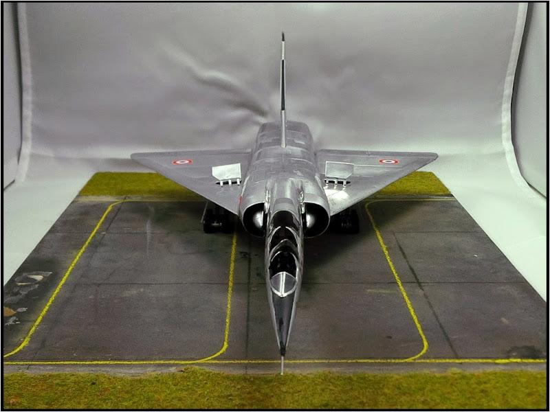 GAMD Mirage IV B. Un gros mirage IV, en scratch et au 72 IMG_20141007_191055