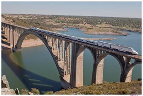 Nuevo tren entre Madrid y Galicia los sábados por la tarde