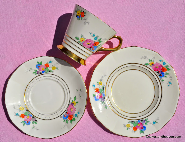 Plant Tuscan Cream, Floral and Gold Large Teacup Trio