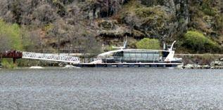 Catamarán del lago de Sanabria