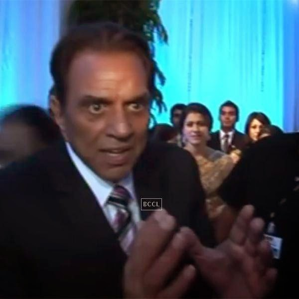 Dharmendra, later requestd the media people to enjoy the wedding and not ask irrelevant questions.