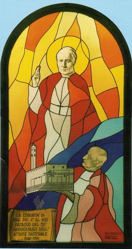 La vetrata della Chiesa parrocchiale San Pio X di San Donà di Piave