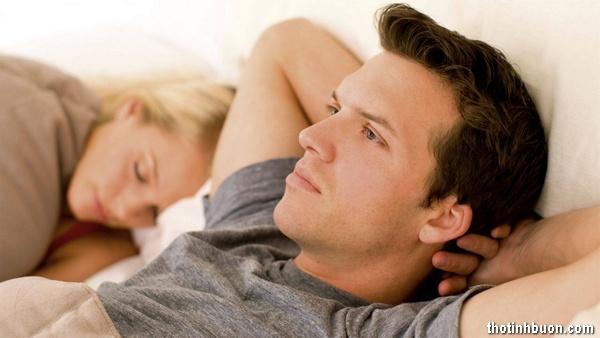 Thơ Vợ buồn vì biết Chồng vẫn còn thương nhớ người yêu cũ