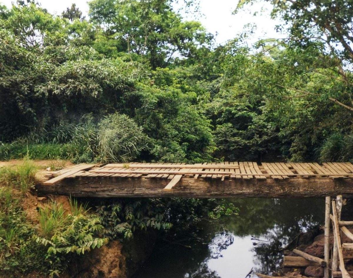 Altersschwache Holzbrücke