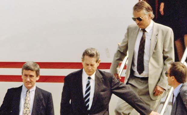 Regele Mihai la revenirea în ţară în 1992