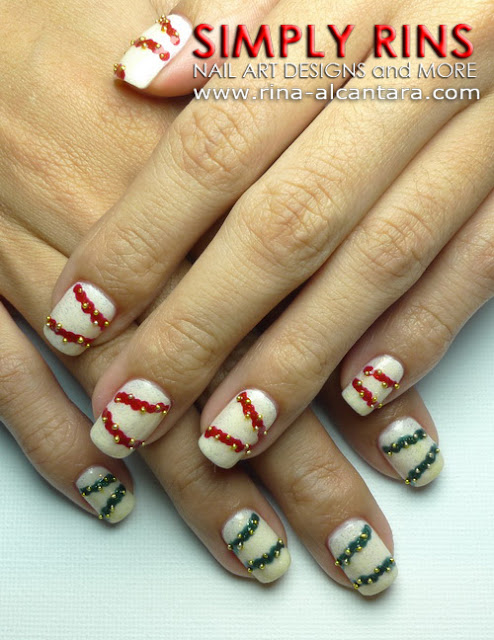 Christmas Garlands Nail Art Design