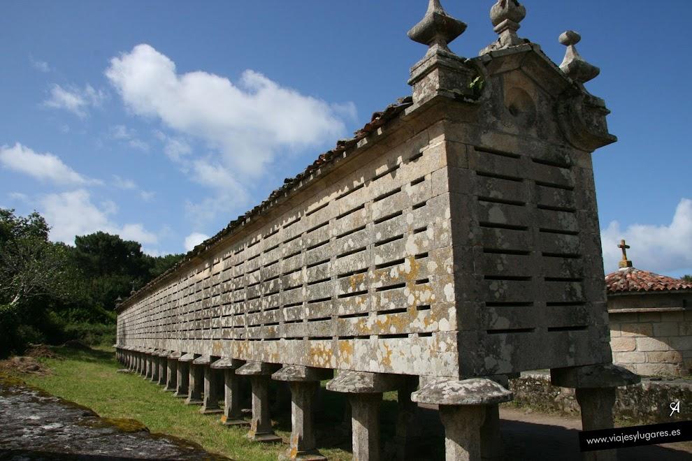 El Hórreo más largo de Galicia junto con el de Lira