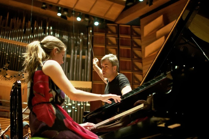 Finnish conductor Hannu Lintu and Venezuelan pianist Alicia Gabriela Martínez shared the stage for the first time.
