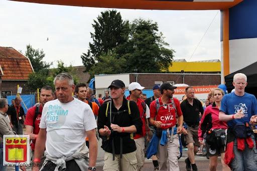 Vierdaagse van Nijmegen door Cuijk 20-07-2012 (42).JPG