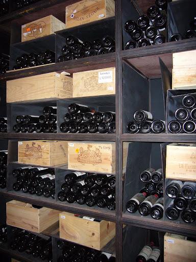 botellas de vino en el Palais Coburg