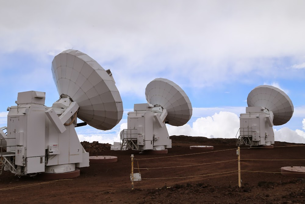 james clerk maxwell telescope - 1000×667