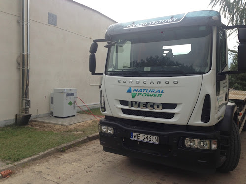Iveco Eurocargo Natural Power (CNG) z kompresorem CNG marki Coltri