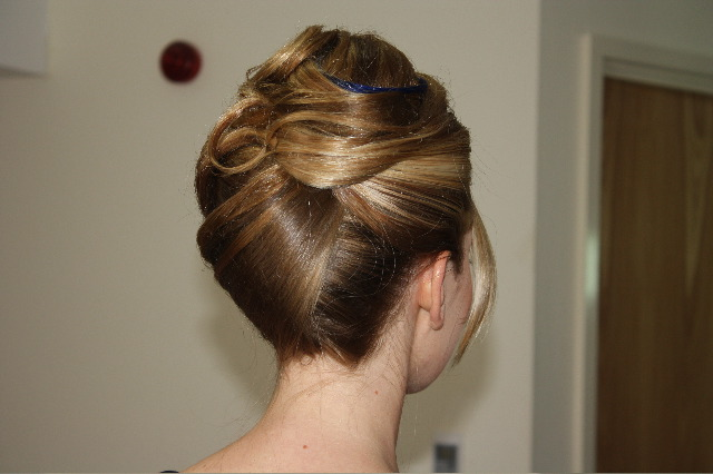 18 Creative And Unique Wedding Hairstyles For Long Hair: Long Hair Up/do French Pleat