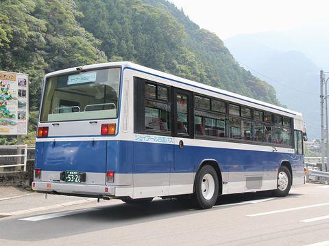 JR四国バス 松山高知急行線 5328 リア 落出到着