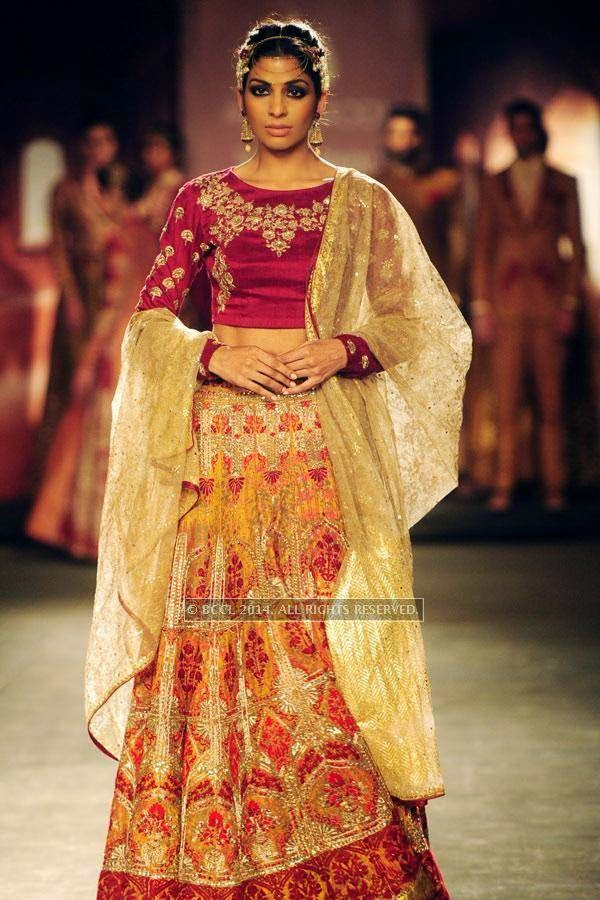 Donna walks the ramp for Anju Modi on Day 2 of India Couture Week, 2014, held at Taj Palace hotel, New Delhi.