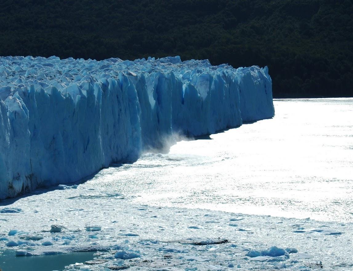 Cae un bloque del Perito Moreno