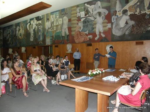Primeira turma do CQID de ballet, em cerimônia realizada no Palácio Capanema. Organizados pelo SPDRJ, os CQIDs vêm atender a uma antiga reivindicação dos profissionais de dança atuantes na área pedagógica. A segunda turma de CQID de ballet inicia dia 12/02.