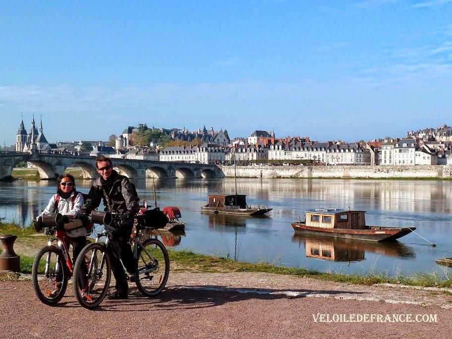 Les auteurs à Blois pour une balade sur la Loire à vélo en Octobre 2014 - La Loire à vélo sans prendre l'eau par veloiledefrance.com