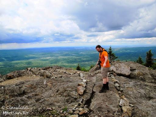 Tura la munte in Canada. Mont Orford.  marcaj de creasta