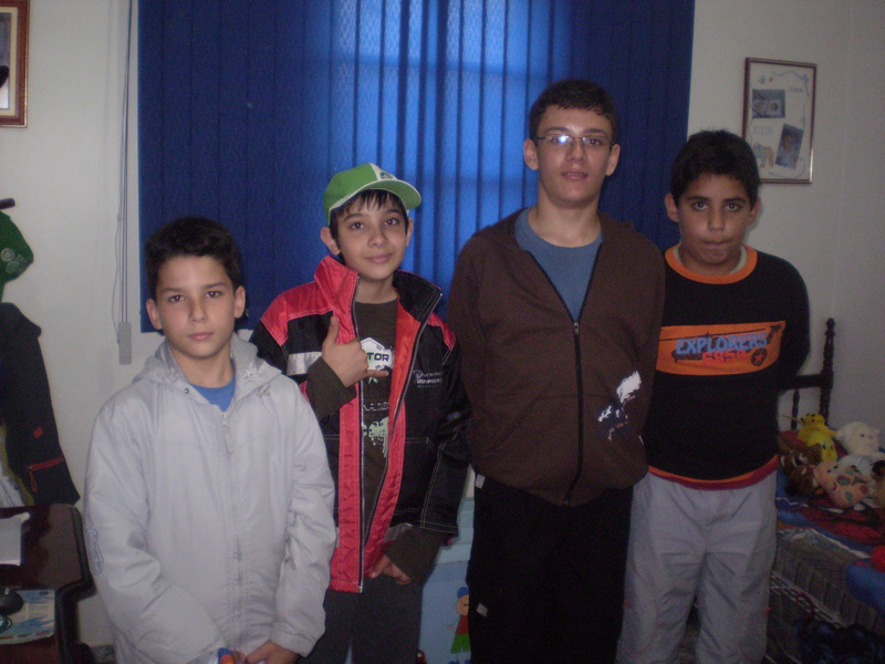 Vitor com seus primos Renatinho e Rodrigo