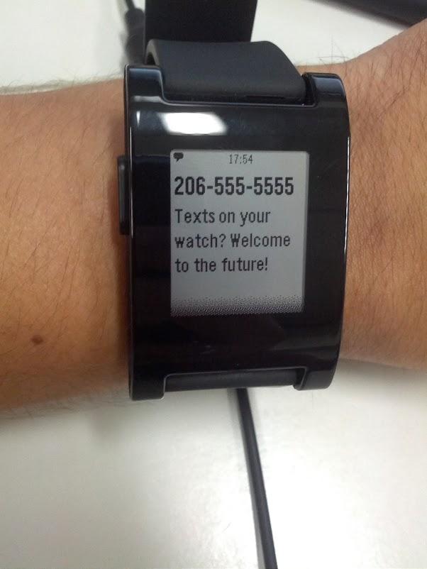 O exemplo de uma notificação de SMS, que vem no app do pebble