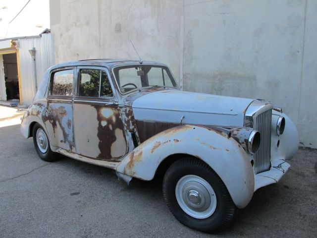 Bentley R Type Rusty