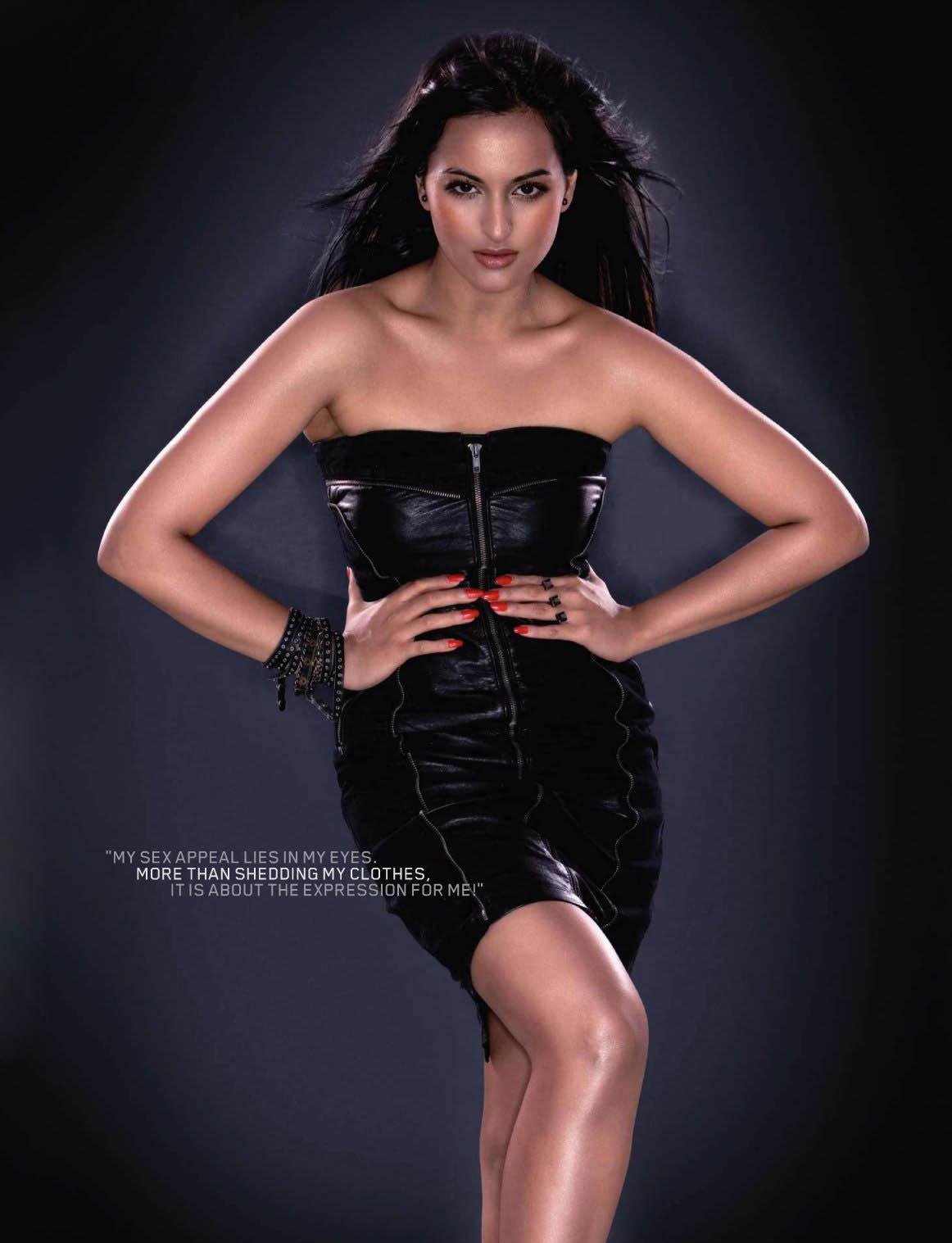 Sonakshi Sinha Sexy In Bikini