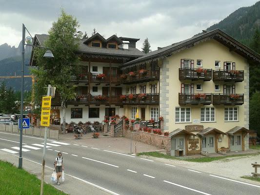 Hotel Miramonti, Via Costa, 199, 38030 Canazei Trentino, Italy
