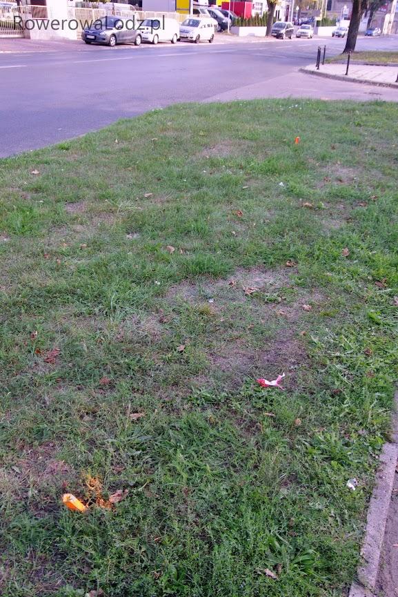 Widać już markery w miejscu, gdzie będzie zjazd na jezdnię