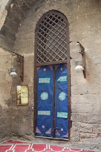 فى مصر الرجل تدب مكان ماتحب ( خاص من أمواج ) IMG_1579