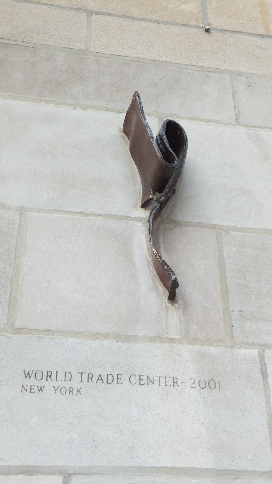 World Trade Center, Muro del Chicago Tribune