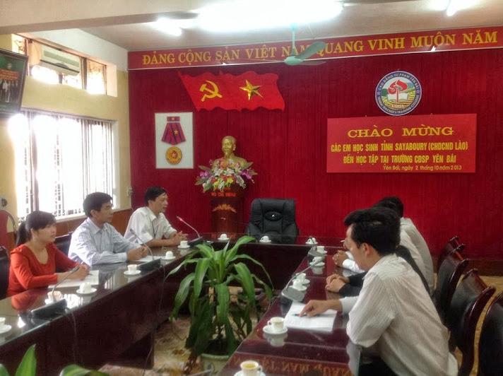 Trường Cao đẳng Sư phạm Yên Bái đón tiếp 20 lưu học sinh tỉnh Xaynhabuly-Nước CHDCND Lào sang học tập tiếng Việt tại Trường