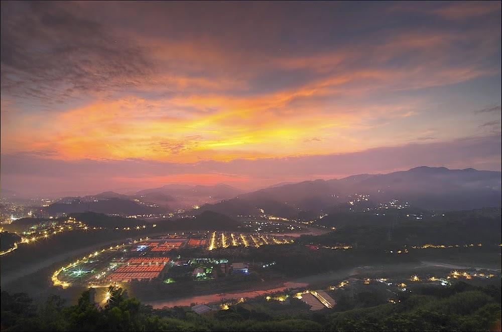 東華聖宮.日出.火燒雲!!!