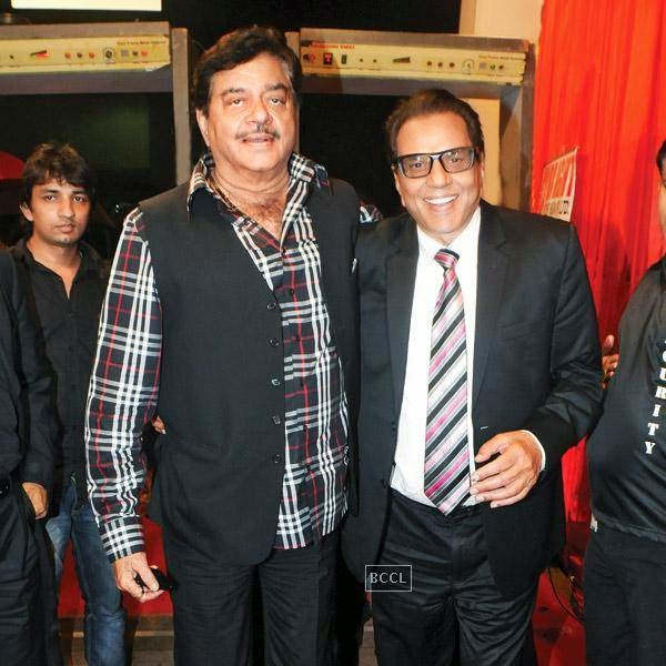 Shatrughan Sinha and Dharmendra at the International Indian Achiever's Awards 2014 (IIAA) organised by Poetic Justice Events and Entertainment Pvt Ltd held in Mumbai.