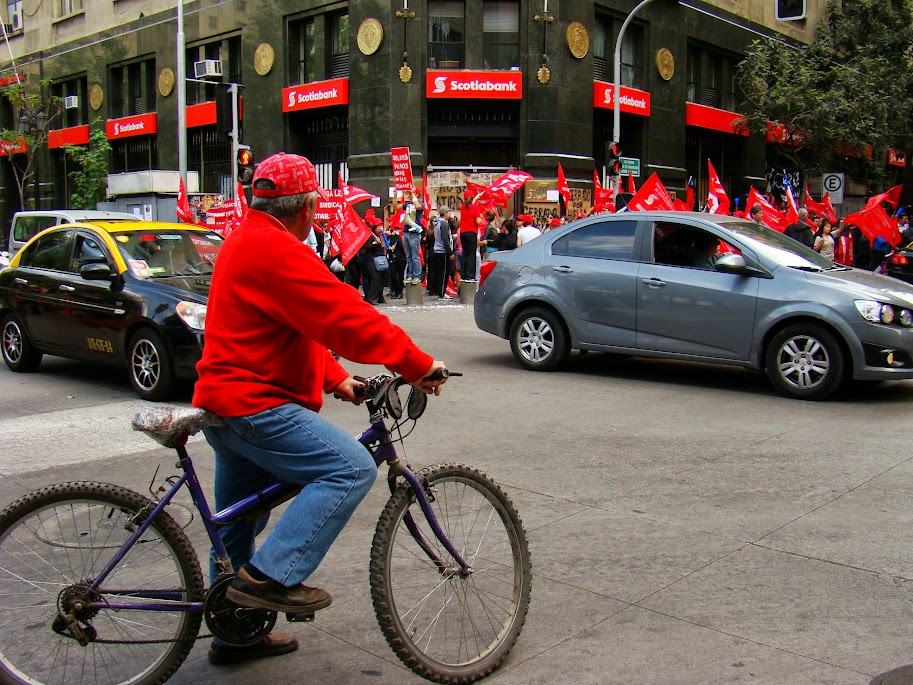 No sólo hay deportistas jóvenes en bici