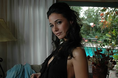 d26b579bed She is off on a Mexico vacation with her best friend Bambi who is played by  Emmanuelle Chriqui (Entourage) both her and Elektra