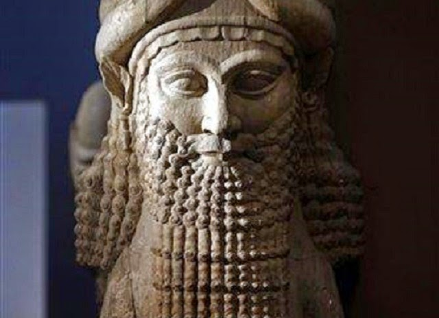 Iraq: UNESCO calls destruction of Nimrud 'war crime'