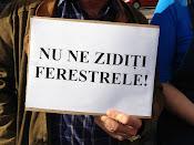 Nu ne zidiţi ferestrele! - Protest împotriva distrugerii spaţiilor verzi din Suceava